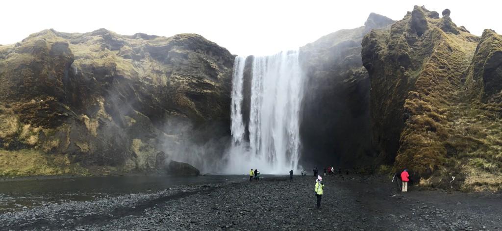 Skogafoss-Wasserfall-1