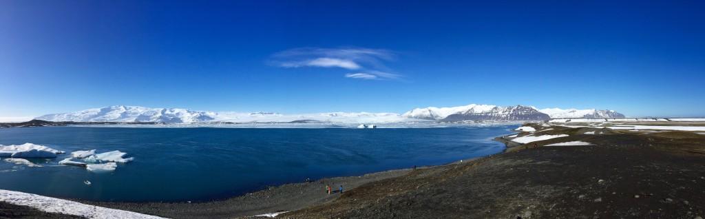 Keine gigantischen Eisberge am Ende des Gletschers. Aber immerhin sieht man hier Robben in freier Natur - auch sehr nett!